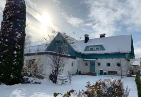 Winteransicht Blaues Haus