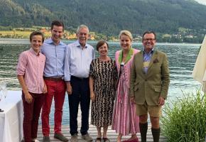 Familie Hoffmann mit Bundespräsident Dr. Alexander van der Bellen