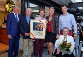 Familie Hoffmann mit Landeshauptmann Dr. Peter Kaiser
